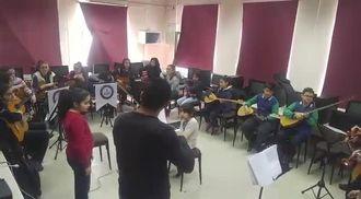 Salih Avgın Paşa Ortaokulu  Orkestrası (Kayseri) Çanakkale Türküsü izle