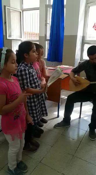 Bahattin Teymur İlkokulu Bağlama ile Müzik Etkinliği izle